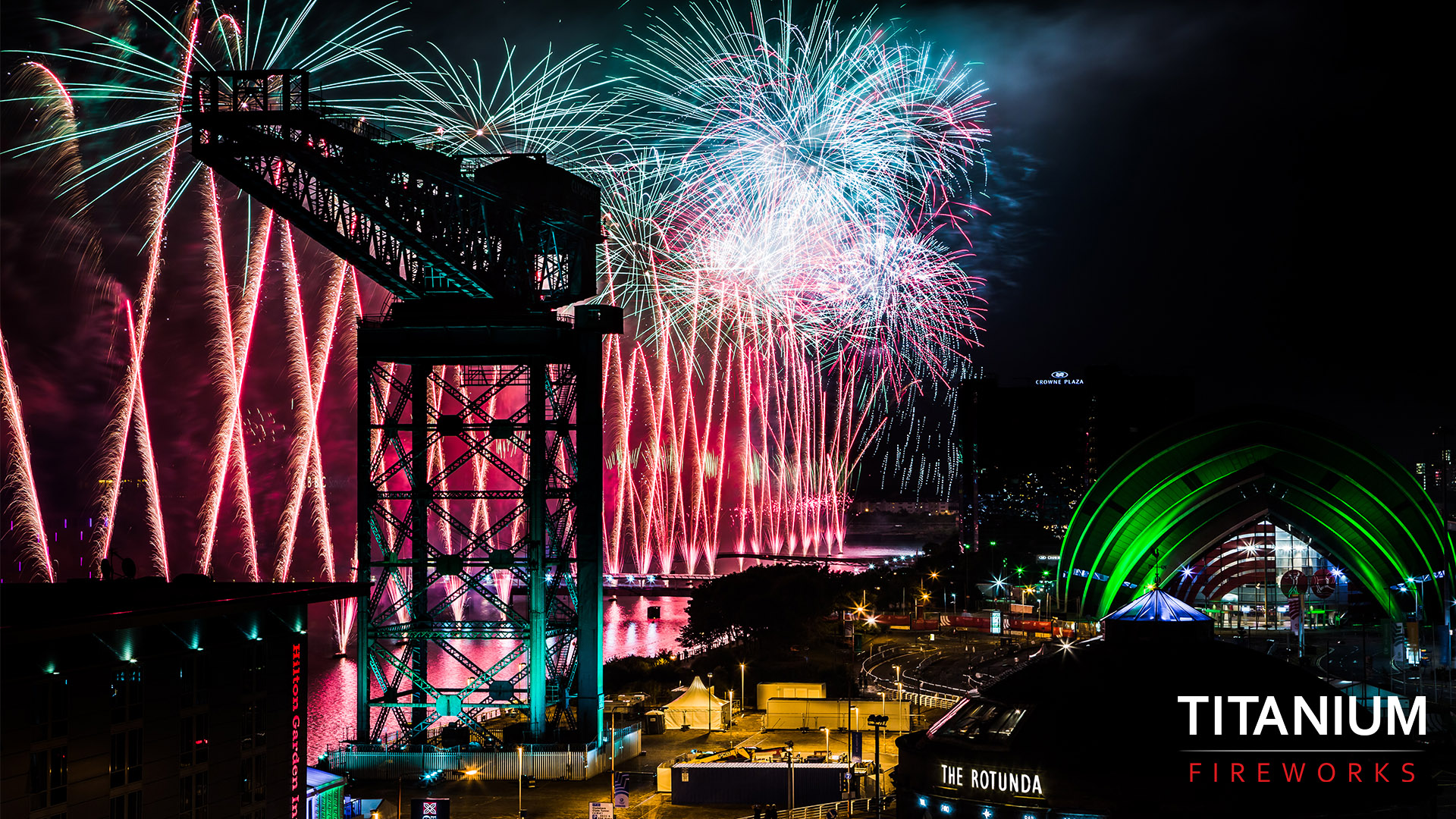Glasgow, red fireworks, river clyde, opening ceremony, fireworks, blue fireworks, pyrotechnics, titanium fireworks, commonwealth games,