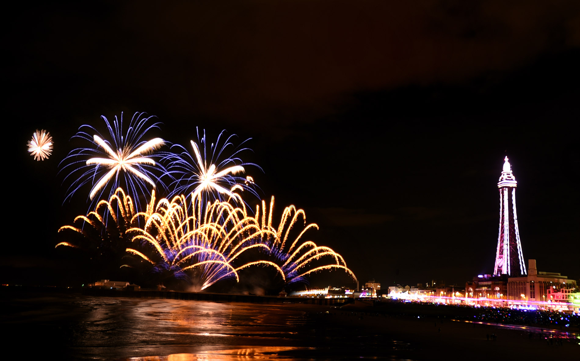 titanium-fireworks-gallery-blackpool-october-2016-2-1900px