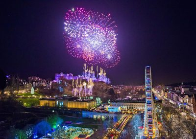 2016-Edinburghs-Hogmanay-Midnight-Moment-2-c-Chris-Watt-1050px