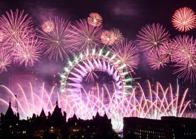 London_New_Year_Fireworks_2017_Titanium1