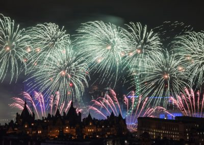 London_New_Year_Fireworks_2017_Titanium2