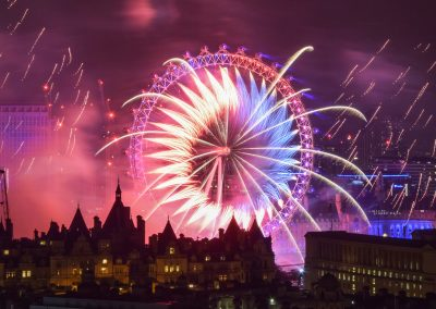 London_New_Year_Fireworks_2017_Titanium3